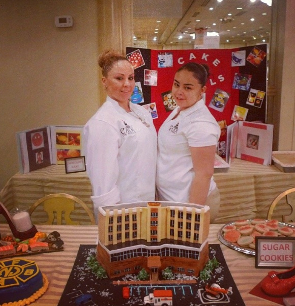 Cake Decorator Team Member